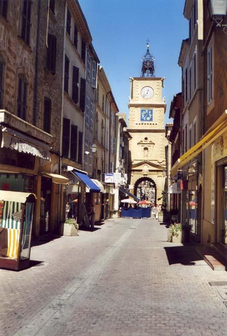 Cyclo tourisme par un ecrivain public for Porte de l horloge salon de provence